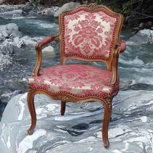 Resturierter Sessel